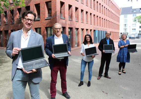Laptop Spende für Fluechtlinge