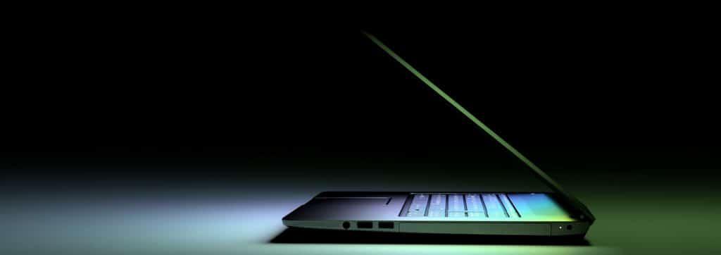 bild von beleuchtetem Laptop