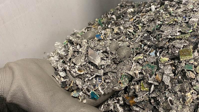 IT-Recycling geschreddertes Material
