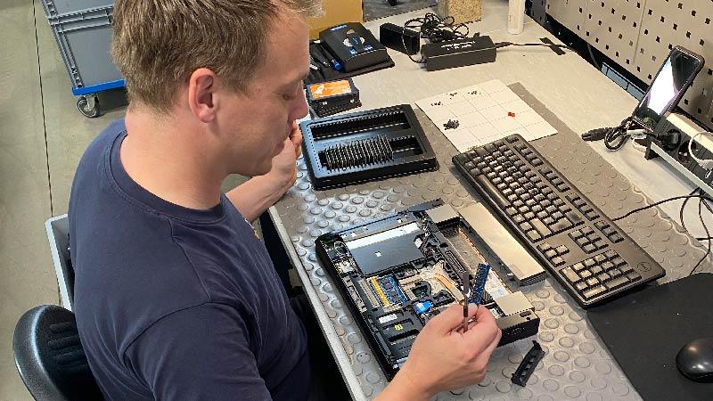 Reperatur und Aufrüstung eines Notebooks