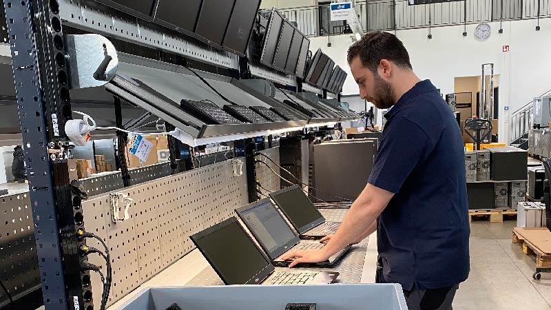 Erstgerätetest im Wareneingang bei bb-net
